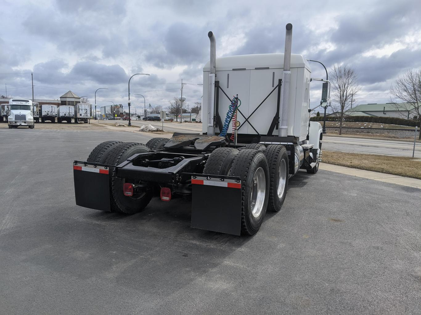 Rear View - 2014 Mack CHU613