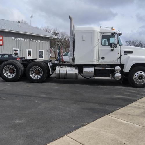 Passenger View 2014 Mack CHU613